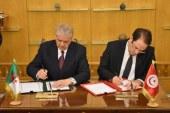 تونس والجزائر تُوقعان جملة من الاتفاقيات ومذكرات التفاهم